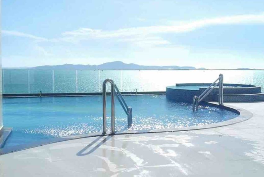 1-bedroom-condo-for-sale-cozy-beach-Pattaya-1