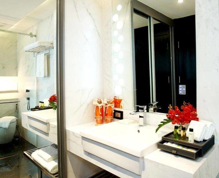1bedroom-bathroom-2